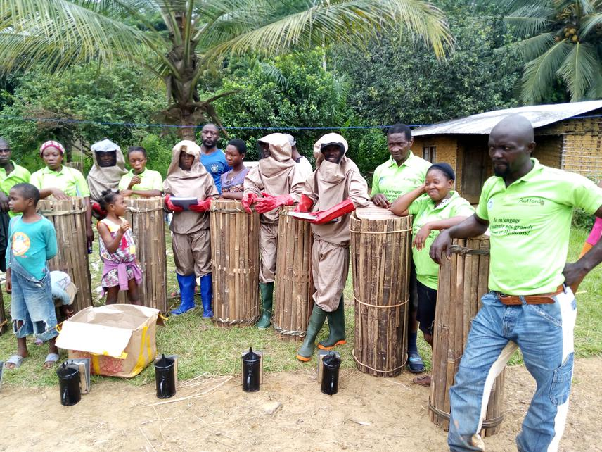 Building indigenous peoples' capacity in beekeeping as a livelihood alternative to bushmeat around Campo Ma'an National Park. © Aghah Valery Binda