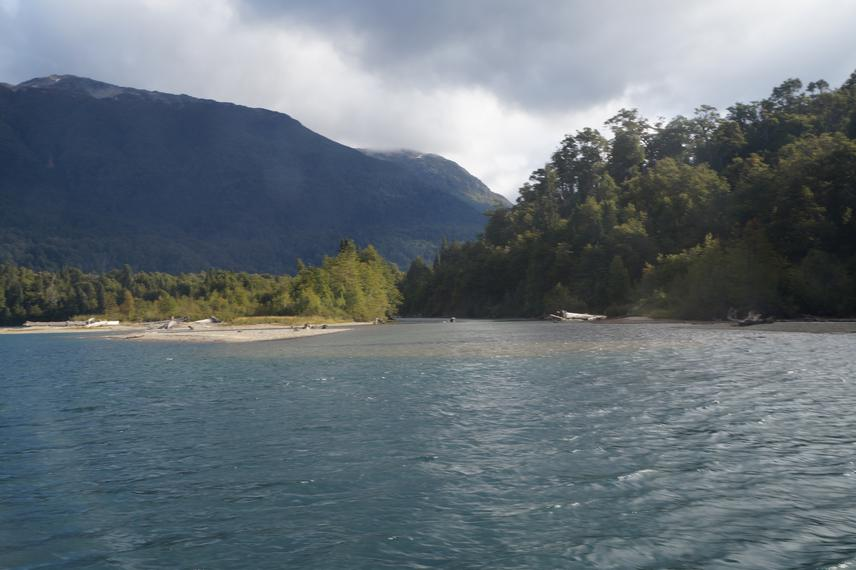Río Alerces. One of the possible location that we'll include in our study. © M. Schiaffini.